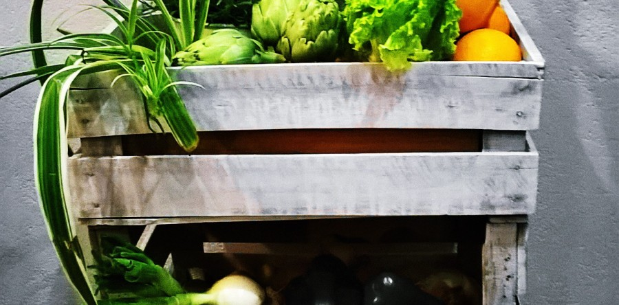 Mueble auxiliar de cocina con cajas de madera green deal for Auxiliar jardineria